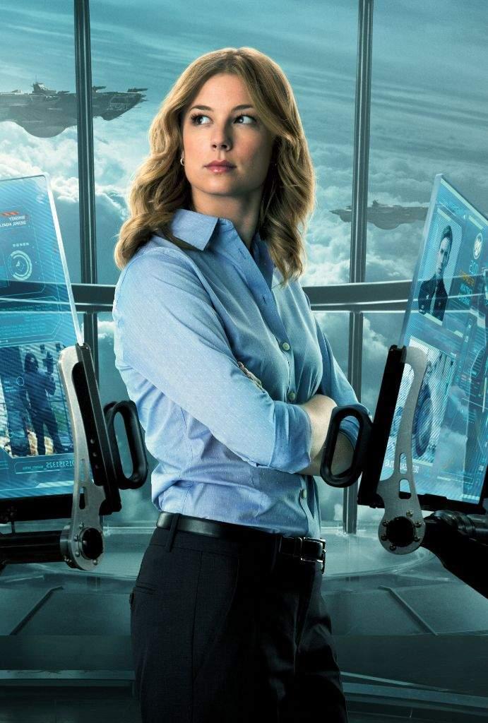 Emilia Clarke Almost Played Iron Man 3 Villain & Sharon
